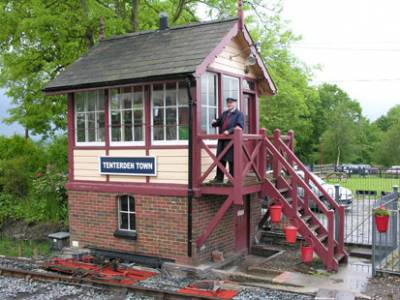 b2ap3_thumbnail_Signal_box_Kent_Sussex_railway.jpg